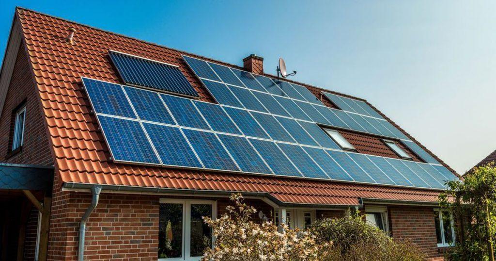 Evlerin Çatısına Güneş Paneli Koyma ve Para Kazanma